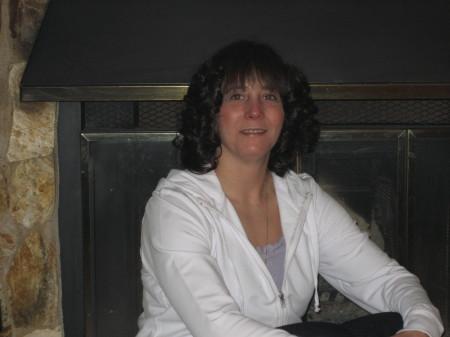 Lisa Hennessey (Hughes)