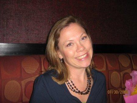 Valerie Cowan  (Faust)