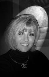 Lori Lloyd (Hines)