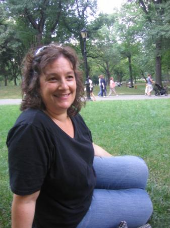Elizabeth Reuveni  (Beyer)