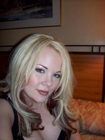 Laura Rickgauer (Moore) (Rickgauer)