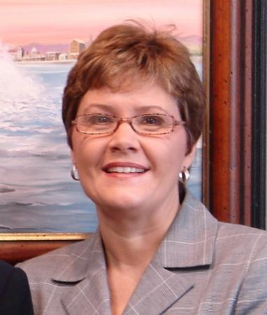 Angela Hellgren  (Davidson)