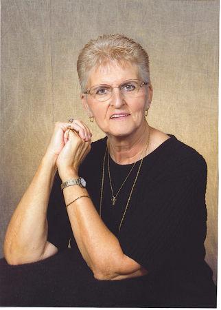 Sharon Parker Putz  (Parker)