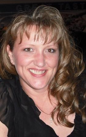Lisa Hitson (Green)
