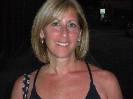 Robin Levine (Cohen)