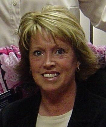 Joyce Graves  (Campbell)