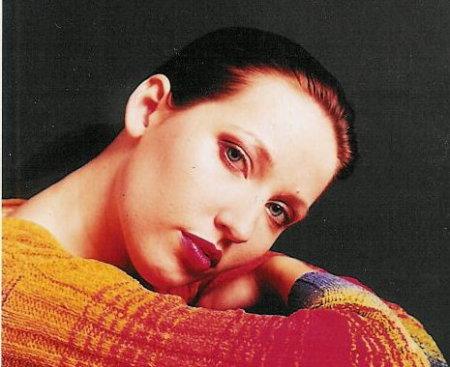 Julie Kerr (Hoffman)