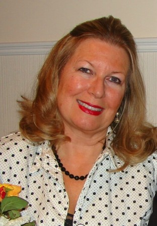 Carolyn Worthington (Crowe)
