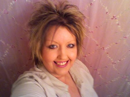 Angela Lancaster (Hales)