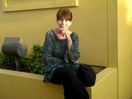 Linda Lakin  (Johnston)