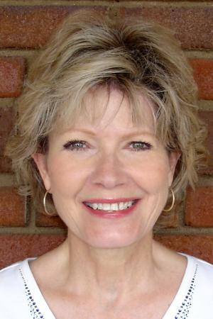 Sandra Bradford  (Lee)