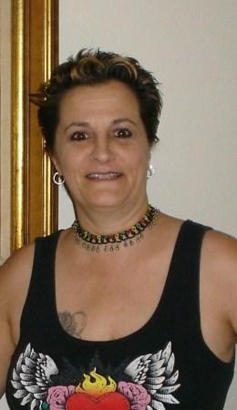 Sheri Hutchinson (Oliveira)