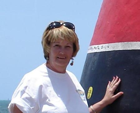 Linda Cunningham (Robinson)