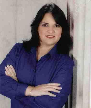 Luz Eneida Nieves  (Nieves)