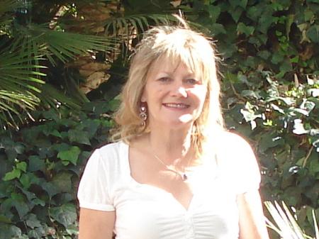 Vicki Bertagnolli (Crawford)