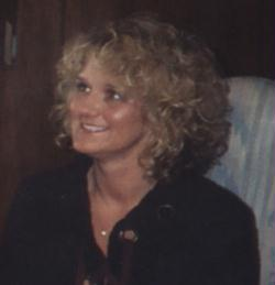 Lisa Hall Bates (Hall)