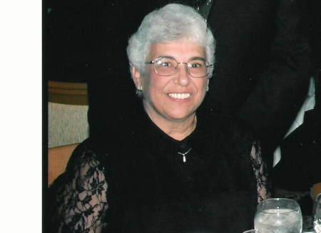 Christine Claunts (Davis)