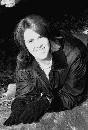 Renee Hoey (Hutchinson)
