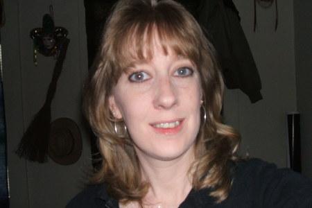 Diane Cox  (Quinn)