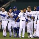 Royals race past White Sox