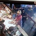 Hillary Clinton eats at Chipotle in Ohio, but no one recognizes 2016 candidate
