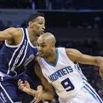 Westbrook nets 33, Thunder top Hornets 110-103 minus Durant