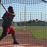With Red Sox, Pablo Sandoval seeking to improve from right side of plate
