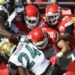 Foles plays error-free as Chiefs top Jaguars 19-14