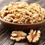 Researchers confirm health benefits of walnuts