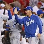 Moustakas' HR in 11th lifts Royals in Game 1