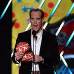 Joe Buck calls first Super Bowl since career-threatening vocal ailment
