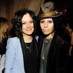Hicks: Sara Gilbert engaged to Linda Perry