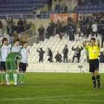 Racing Santander players stage on-pitch boycott over unpaid wages