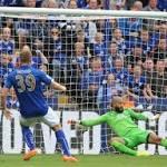 U.S. goalkeeper Tim Howard takes break from international play
