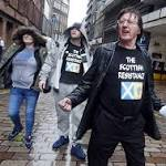 SNP suspends ringleaders of mob who confronted Jim Murphy and Eddie Izzard