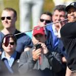 McIlroy Leads British Open With Woods Three Shots Behind
