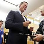 Hopefuls' points appeal to social conservative crowd