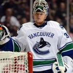 Uneven performance costs Blues in 3-2 loss at Vancouver