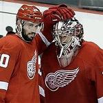 Jimmy Howard tallies 39 saves as Red Wings down Blackhawks in Game 3