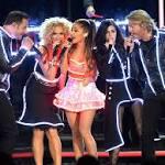 VIDEO: Ariana Grande & Little Big Town Perform 'Bang Bang' at CMA's