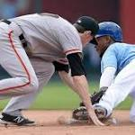 Jarrod Dyson leads base-running parade as Royals speed past Giants