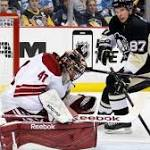 Crosby, Pens slip past Coyotes