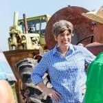Just Like In the Primary, Ernst Has Momentum Heading Into Election Day