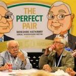 Buffett Endures AmEx Slump While Praising 'Sensational' Chenault