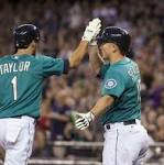Jackson's 4 RBIs lead M's past White Sox
