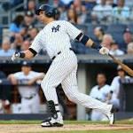 Yankees' Carlos Beltran leaves game with hamstring injury