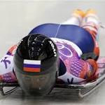 Yarnold leads Pikus-Pace midway through skeleton