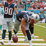 Dolphins force Brady fumble, score to tie Patriots at 20