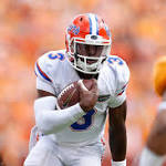 Football Notes: Florida reinstates QB Harris after complaint withdrawn