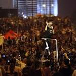 Hong Kong Government Seeks to Wait Out Protesters